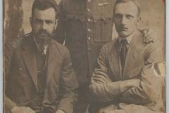 Legioniści, pierwszy z prawej - Franciszek Kępa, późniejszy kowal, posiadał kuźnię w Zadusznikach