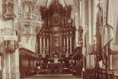 Wnętrze-kościoła-w-Padwi,-1923-r