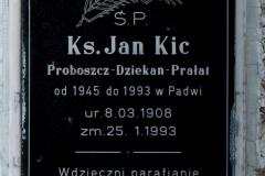 płyta-nagrobna-na-padewskim-cmentarzu-800x