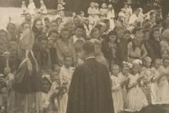 Ksiadz-biskup-Jan-Stepa-wizyta-dsuszpasterska-23-25.051950-r