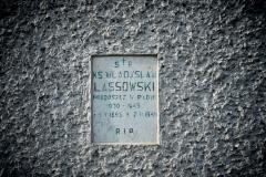 Nagrobna-płyta-na-padewskim-cmentarzu-800x