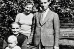 Padew-13-lipiec-1977,-trzy-pokolenia