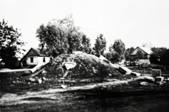 Zniszczony-Pomnik-Grunwaldzki-w-Padwi-Narodowej-w-czasie-II-wojny-światowej